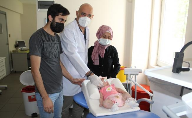 (Özel) Çift taraflı dudak-damak yarığı ile doğan bebeğe başarılı tedavi