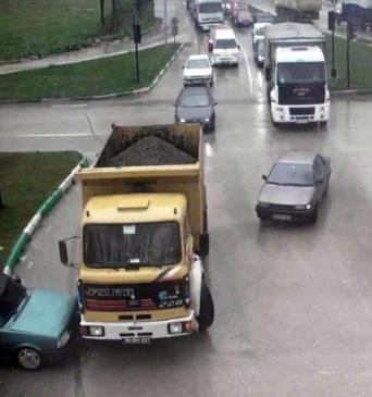Bursa'da İlginç Kazalar Mobese'ye Yansıdı