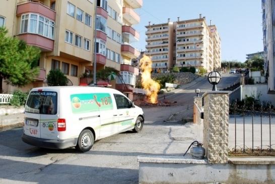 Bursa'da Doğalgaz Borusundan Alevler Yükseldi