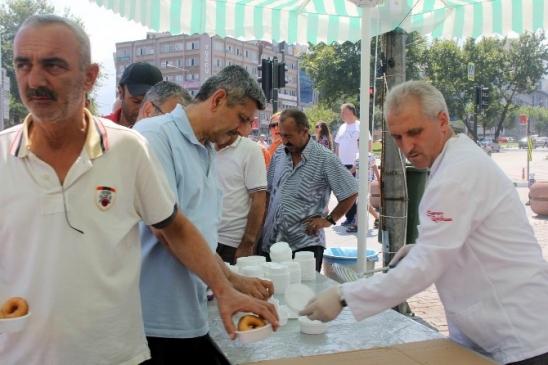 Bursa'da Erdoğan İçin 15 Bin Kişiye Lokma…