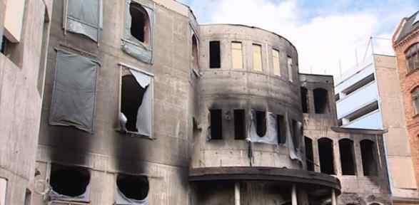 Almanya'da Bir Cami Daha Yandı !
