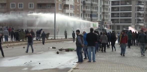 Bahçeli Protestosuna Polis Müdahalesi