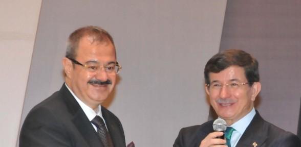 Başbakan Davutoğlu'ndan Sanayiciye çağrı
