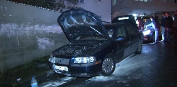 Beyoğlu'nda Otomobiller Kundaklandı