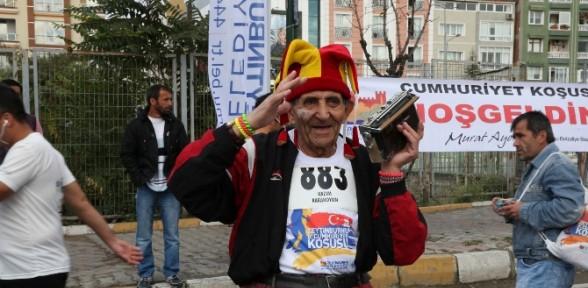 Cumhuriyet Koşusunda 87'lik Atlet