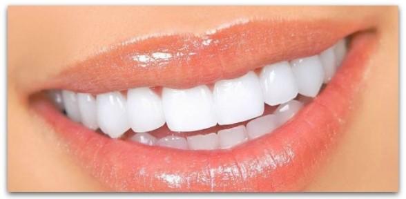 Diş Eti Hastalığı Dişleri Döküyor