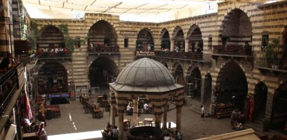 Diyarbakır'ın yıllara meydan okuyan yapıları