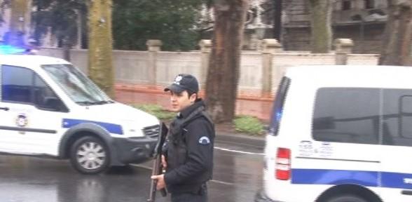 Dolmabahçe Sarayı önünde Bomba Alarmı