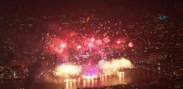 Dünya Yeni Yıla Böyle Girdi
