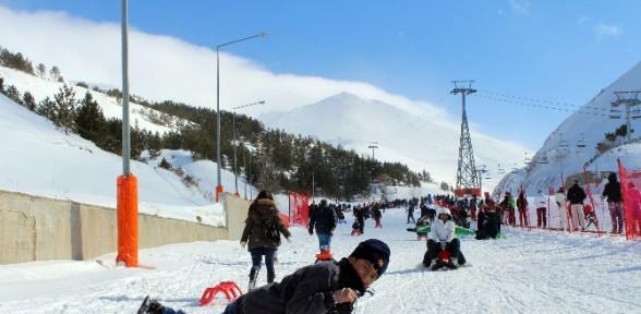 Düşe kalka kayak keyfi