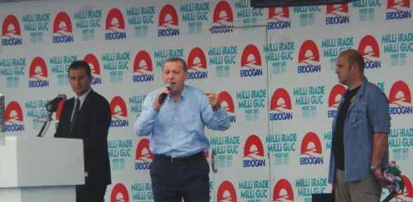 Erdoğan Yağmur Altında Halka Hitap Etti