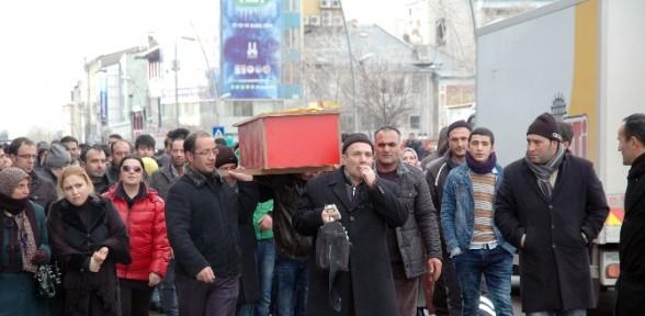 Erzurum'da Tabutlu Eylem