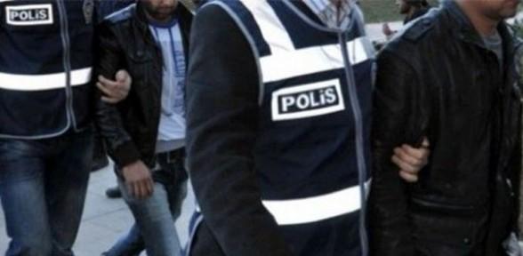 Eski İstihbarat Şube Müdürü ve 2 polis gözaltına alındı