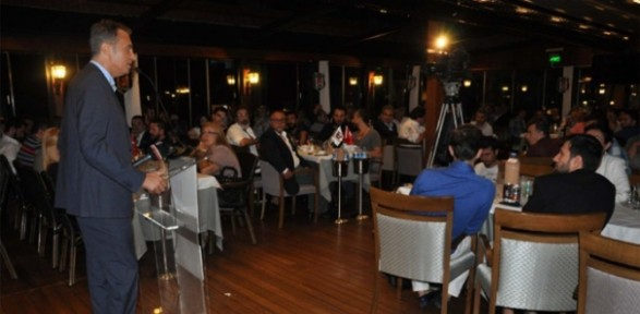 Fikret Orman gazeteciler ve sanatçılarla iftar yaptı