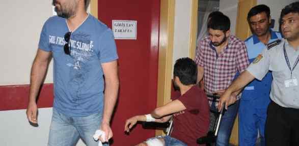 Hastaneye Götürmek Isteyen Polisleri Bıçakladı