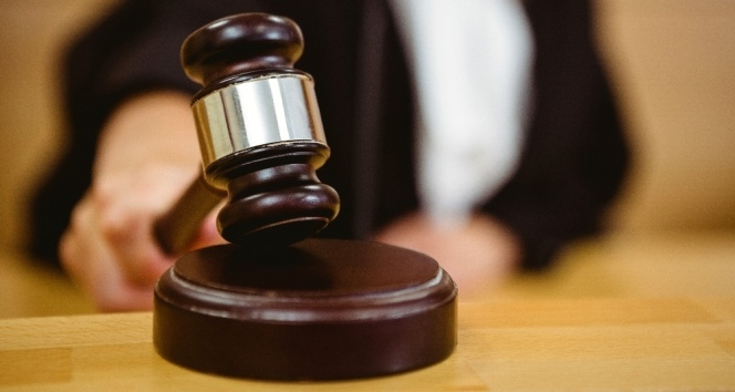 HSK: 'Etek boyunu mahkeme tutanağına geçiren hakim görevden uzaklaştırıldı'