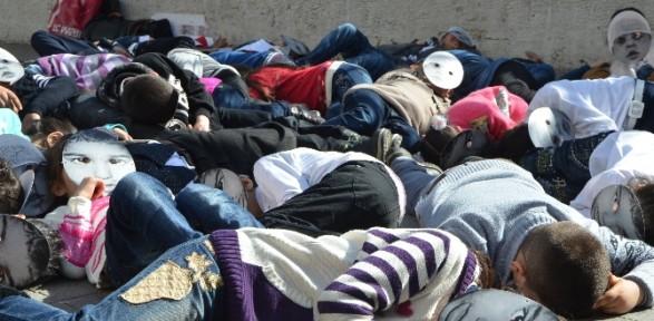 İlkokul öğrencileri 'Hocalı Katliamı'nı canlandırdı