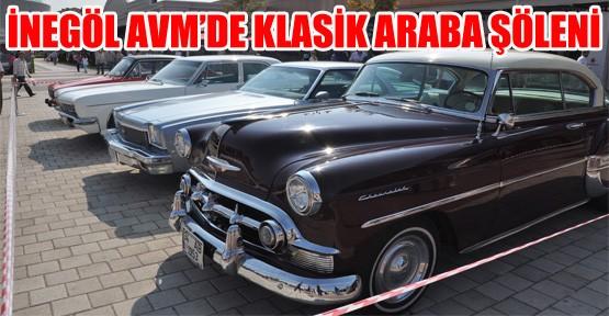 İnegöl AVM'de Klasik Araba Şöleni
