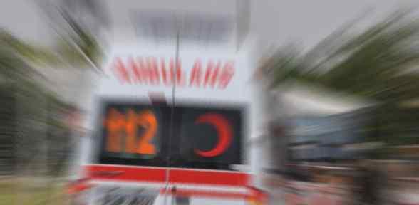 İnşaat Işçisi Taşıyan Otomobil Kaza Yaptı: 1 ölü, 2 Yaralı