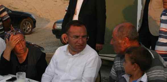 Işid'in Elindeki Polis Memurunun Ailesiyle Bayramlaştı