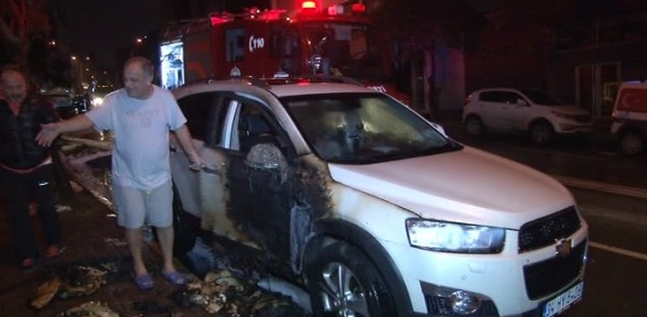 İstanbul'da 3 Araç Daha Kundaklandı