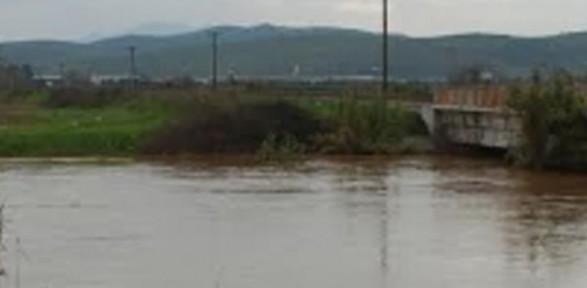 İzmir'de Nehir Taştı