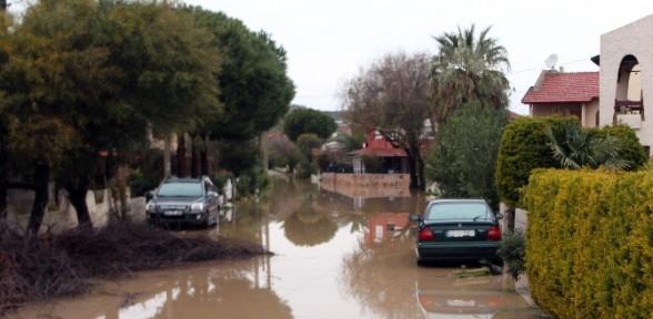 İzmir'de yağış rekoru kırıldı