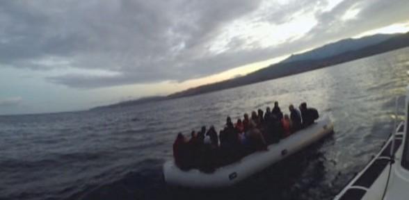 Kaçak Göçmenleri Yunanlılar Yakalayıp Türk Karasularına Bırakıyor