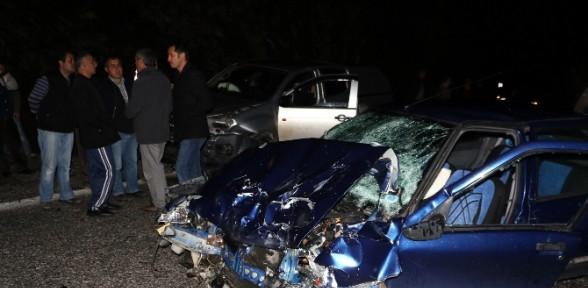 Kayganlaşan Yolda Kamyonetle çarpıştı: 1 ölü, 2 Yaralı