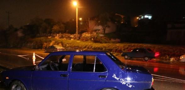 Kaza Sonrası Otomobilin Altında Kaldı