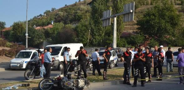 Kovalamaca Sonunda Kaza Yaptılar: 2 Polis Yaralı