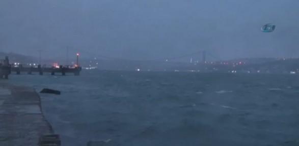 Lodos İstanbul'u Etkisi Altına Aldı