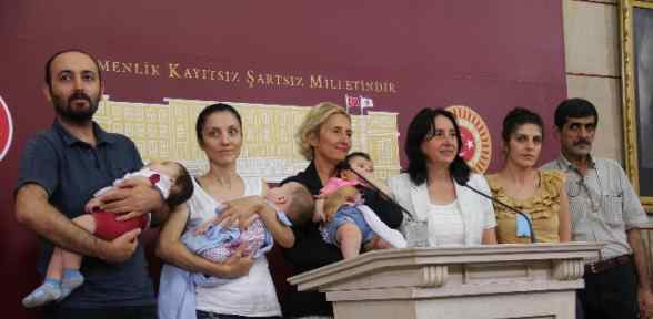 Meclis'te Bebekli Toplantı