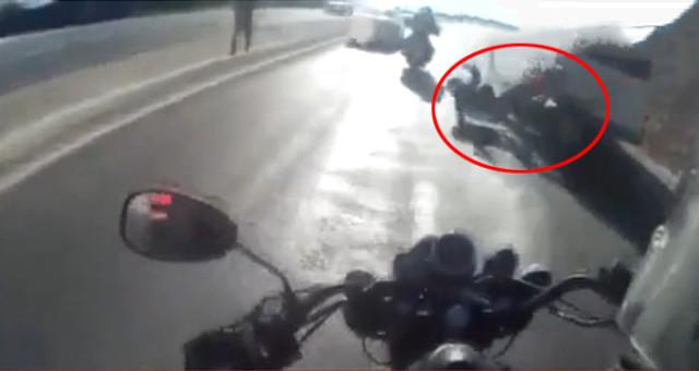 Motosikletli Grup Minibüse Çarptı, Kaza Anı Kask Kamerasına Yansıdı