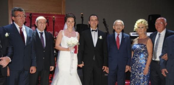 Nikahın şahidi Kılıçdaroğlu'ydu
