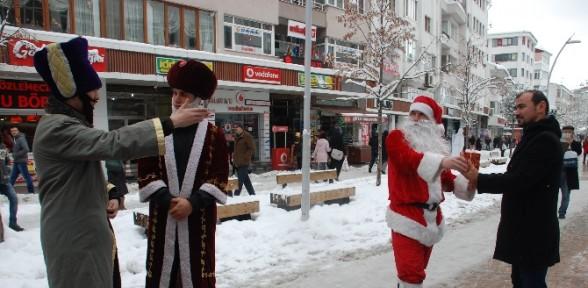Noel Baba Kovalandı