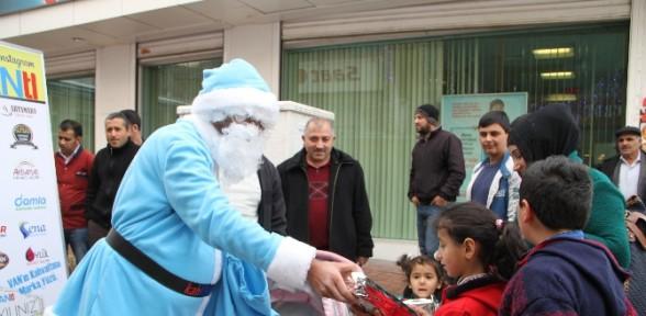 Noel Baba'ya Rakip çıktı