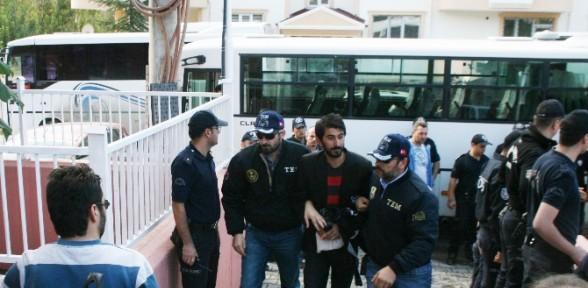 Okul Molotoflamaya 5 Tutuklama
