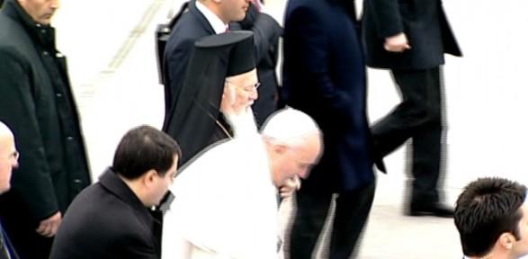 Papa Düşme Tehlikesi Atlattı