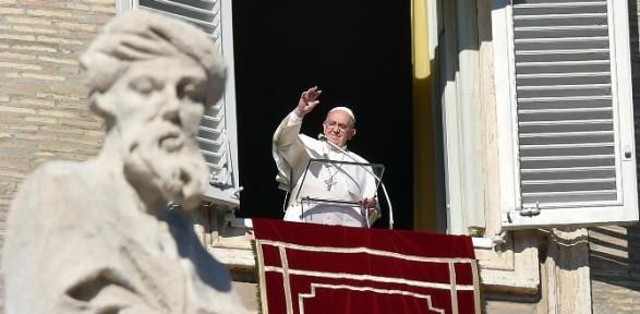 Papa Yılın Ilk Ayinine Katıldı