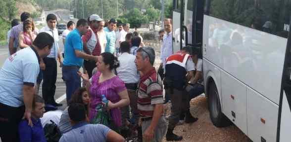 Personel Servisi Yoldan çıktı: 20 Yaralı