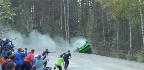 Sanki Kaza Yapmak Için Yarıştılar !