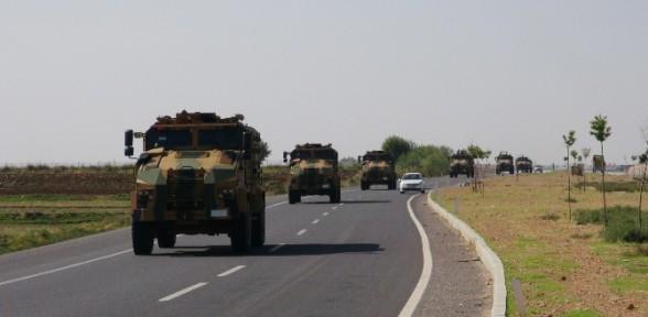 Sınıra Askeri Sevkiyat