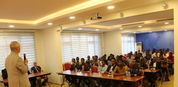 Somalili Gençler İhlas Vakfı'na Konuk Oldu