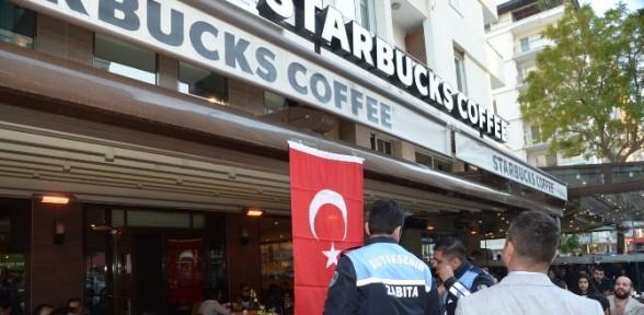 Starbucks'ta Türk bayrağı