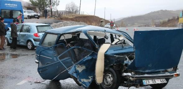 Taziye Yolunda Kaza: 1 ölü, 6 Yaralı