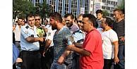 Bursada Zabıta Esnaf Kavgasında Kan Aktı: 8 Yaralı