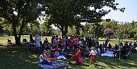 Spastik Çocuklar Ve Aileleri Piknikte Moral Depoladı