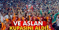 Galatasaray kupasını törenle aldı