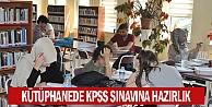 Kütüphanede KPSS sınavına hazırlık